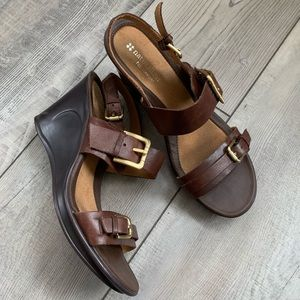 Naturalizer leather strap and gold buckle wedges